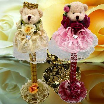 (婚禮小物)絨布裙擺熊精美簽名筆(一對) 送:花筆座