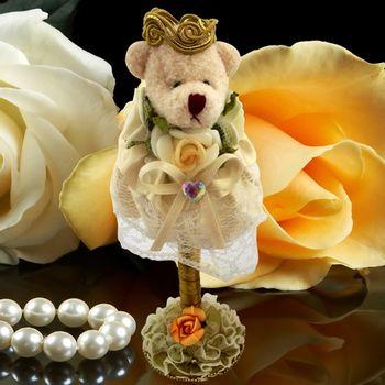 (婚禮小物)絨布裙擺熊精美簽名筆-黃色 送:花筆座