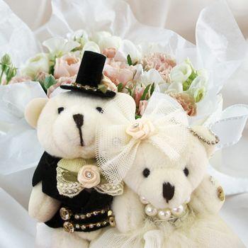 (婚禮小物)絨布蓬裙情侶熊方型戒枕