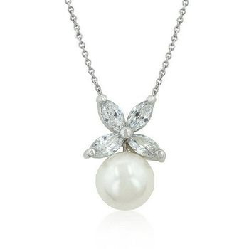 Love 21 鋯石花形白色貝殼珍珠吊墜項鍊