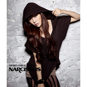 [NARCISSUS] 天絲棉斗篷連帽短袖彈性T-shirt 黑色