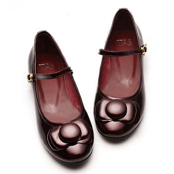 【TAS】俏麗流線亮皮娃娃鞋-