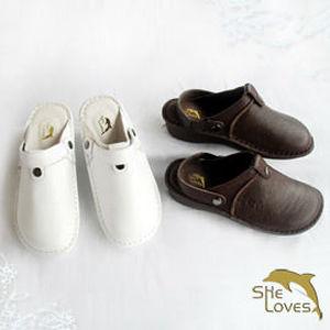 【SHELOVES 喜樂絲】拖鞋式圓頭休閒護士氣墊鞋 咖2B110