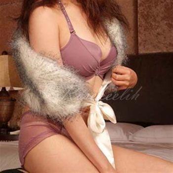 【玫瑰可莉】*2580*美光焦點~燙鑽肩帶美背胸罩成套(豆沙紫)