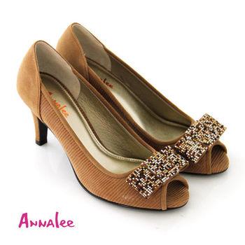 【ANNAlee】 貴氣名媛法式蝴蝶結多彩鑲鑽麂皮魚口高跟鞋-卡其色