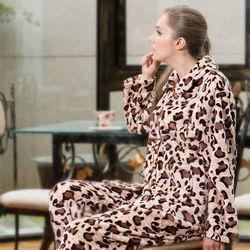 皮爾卡登狂野豹紋法蘭絨居家服