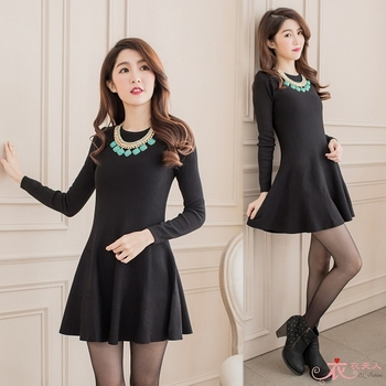【EE-LADY】韓系合身傘形裙擺長袖洋裝-黑色