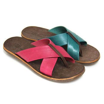 【GREEN PHOENIX 波兒德】酷暑經典寬版交叉全真皮夾腳平底拖鞋-桃紅色、藍色