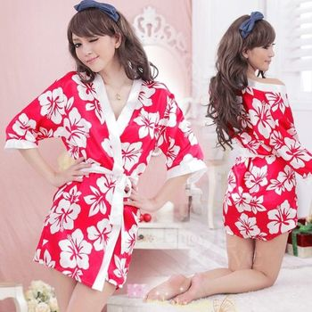 草莓牛奶甜美嬌妻!柔緞和服睡袍組