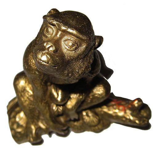 【開運陶源】招財金猴 金猴獻桃  猴擺件銅雕