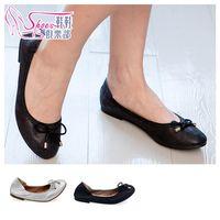 ShoesClub 189~52585 簡約蝴蝶結 輕柔乳膠墊 低跟娃娃鞋 2色 黑 銀