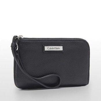 【Calvin Klein】2015女時尚黑色拉鍊腕飾手抓包(預購)