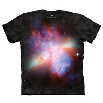 【摩達客】(預購)(大尺碼3XL)美國進口The Mountain Smithsonian系列星爆星系M82 純棉環保短袖T恤