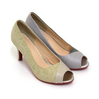 【GREEN PHOENIX】完美典藏同色系漸層印花圖騰全真皮珠光高跟魚口鞋-米色、灰色