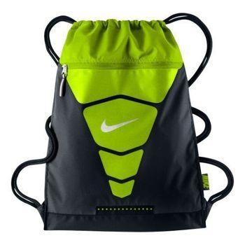 【Nike】2015時尚汽Vapor健身黑綠色後背包(預購)