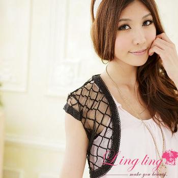 【lingling】菱形勾花蕾絲短版小外套(魅力黑)A702-01