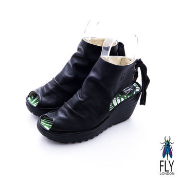 Fly London(女)★ ROOCKIE 皺褶鞋面後綁帶魚口楔型短靴 - 搖滾黑