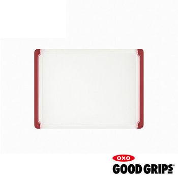 【OXO專業餐廚用品】止滑附溝槽砧板 (中紅)