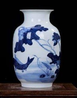 景德鎮陶瓷浮雕創意花瓶手繪荷花魚戲水圖案08