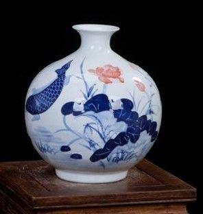 景德鎮陶瓷浮雕創意花瓶手繪荷花魚戲水圖案07