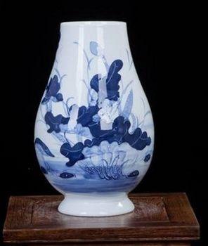 景德鎮陶瓷浮雕創意花瓶手繪荷花魚戲水圖案06