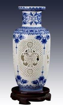 景德鎮陶瓷小花瓶鏤空青花瓷03