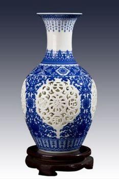 景德鎮陶瓷小花瓶鏤空青花瓷01
