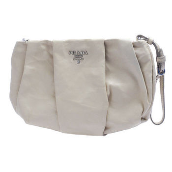 PRADA NAPPA ANTIQUE系列銀色浮雕LOGO羊皮抓皺掛腕手提包(象牙白)