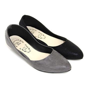 【Pretty】百搭素面細絨紋尖頭低跟鞋-灰色、黑色