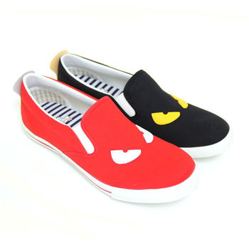 【Pretty】俏皮小怪獸造型圖案休閒平底鞋-紅色、黑色