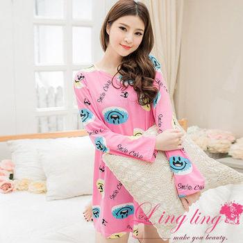 lingling日系 全尺碼-牛奶絲笑臉英文字母連身裙睡衣(甜美深粉)A2562-01