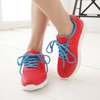 《DOOK》撞色透氣網布輕盈走路鞋-紅色