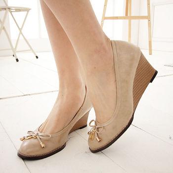 《DOOK》輕熟女漆皮玫瑰楔型高跟鞋-淺棕色