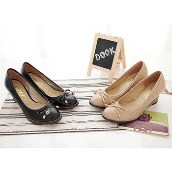 《DOOK》輕熟女漆皮玫瑰楔型高跟鞋-兩色選