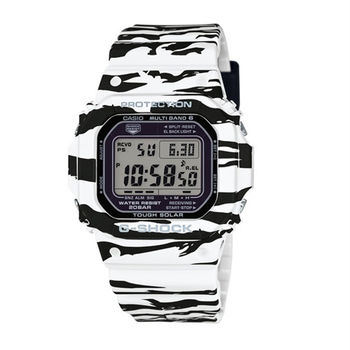 G-SHOCK 酷炫魅力展現電波時計運動腕錶-黑+白-GW-M5610BW-7