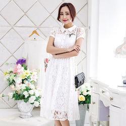 KVOLL中大尺碼白色蕾絲雕花修身連衣長裙