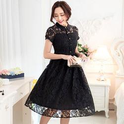 KVOLL中大尺碼黑色蕾絲雕花修身連衣長裙