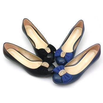 【 101大尺碼女鞋】│大尺碼系列│金鑽蝴蝶飾低跟包鞋  (黑/藍)  365-01