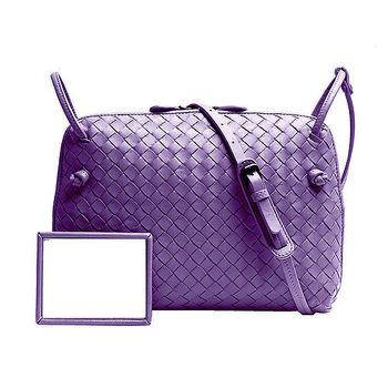 BOTTEGA VENETA 經典羊皮編織斜背方包(紫色)