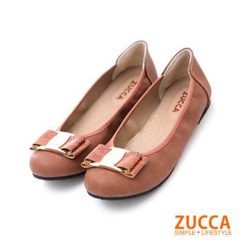 ZUCCA【Z5617CE】緞面金屬朵結低跟包鞋-棕色