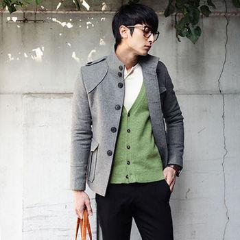 L AME CHIC 軍裝立領黑釦硬挺窄版短大衣外套(現貨-淺灰/黑)