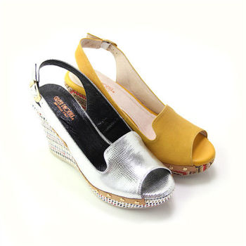 【BIS-VITAL】皮革壓紋金屬釘扣義大利山羊皮編織楔型魚口涼鞋
