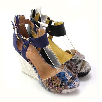 【BIS-VITAL】金屬感皮革壓蛇紋義大利羊皮編織楔型羅馬涼鞋-藍色、黑色