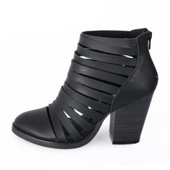 TTSNAP短靴-羅馬牛皮層次鏤空粗跟踝靴-帥氣黑