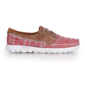 【SKECHERS】ON THE GO-UNWIND 女休閒鞋-走路鞋 格紋紅咖啡