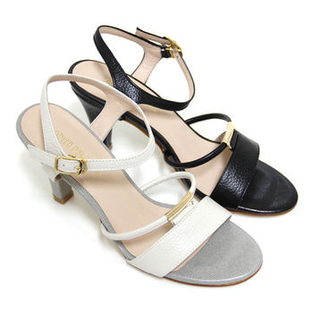 【GREEN PHOENIX】典雅氣質一字金屬裝飾繫踝全真皮高跟涼鞋-米色、黑色