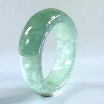 森茂珠寶 緬甸天然翡翠A貨玻璃種泛螢光戒指C703