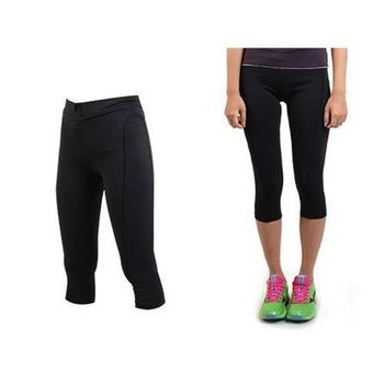 【SOFO】女緊身七分褲- 台灣製 慢跑 有氧 韻律 瑜珈 緊身長褲 束褲 黑