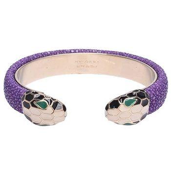 BVLGARI 寶格麗 SERPENTI FOREVER珍珠魚皮琺瑯對向蛇頭手環(紫晶色-M)