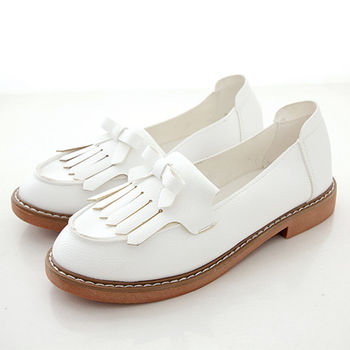 《DOOK》超柔軟流蘇蝴蝶結低跟莫卡辛鞋-氣質白色